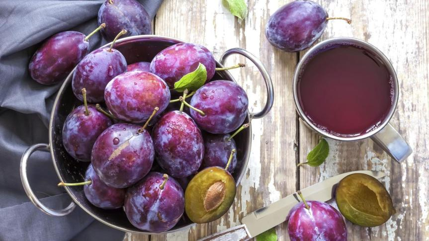 Prune Juice: Health Benefits and Nutritional Information