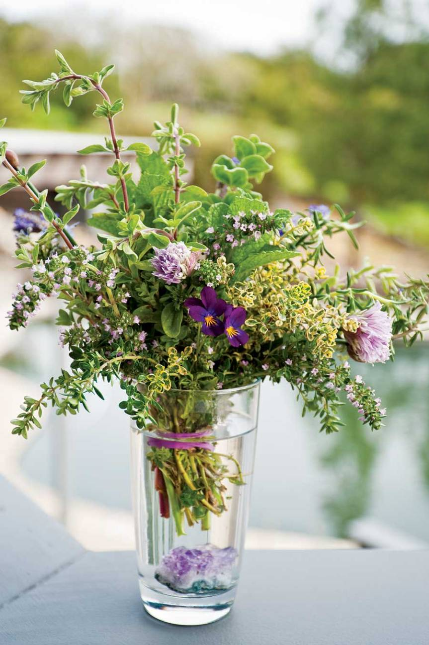 Make Mom a Herbal Bouquet