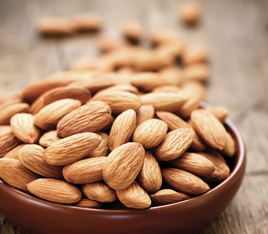Almond Intake Protects against HDL Decreases in Normal-Weight Subjects on a Cholesterol-lowering Diet